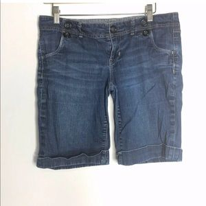 Gap Size 6 Denim Jean Shorts Cuffed Button Waist